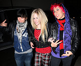 Avril-is-a-punk-rocker-2