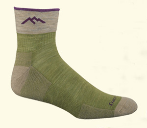 What Kind of Socks Should I Wear Hiking?