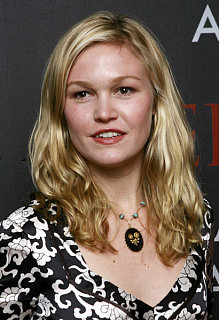 Julia Stiles Cast in The Bell Jar