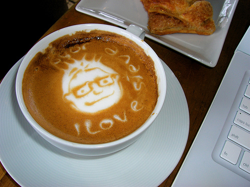 Steve Jobs' Face Appears In Latte?