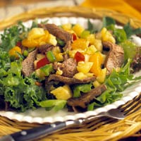 Fast & Easy Dinner: Flank Steak Salad with Pineapple Salsa