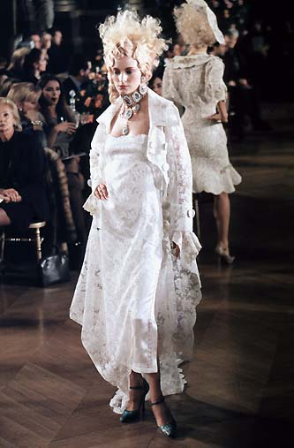 Runway Flashback! Dior 1998 Spring/Summer Haute Couture