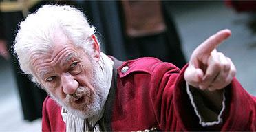 McKellen talks Gandalf vs. Dumbledore