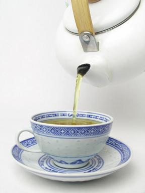 Tea can help heal those chapped lips!