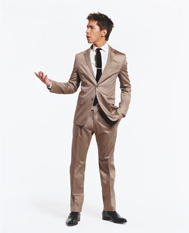 Justin Long in cotton suits for GQ