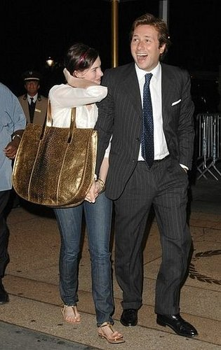 Anne Hathaway The Giant Purse