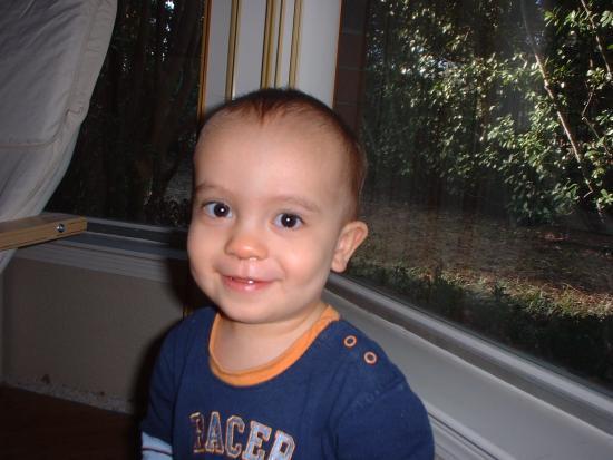 Look that smile! Keanu Christmas 2006