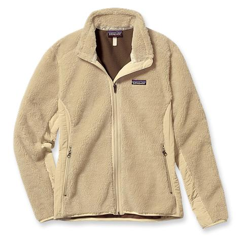 Winter Essential: A Cozy Fleece Jacket