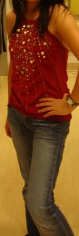 Look of The Day: Simple, Comfortable and Red!