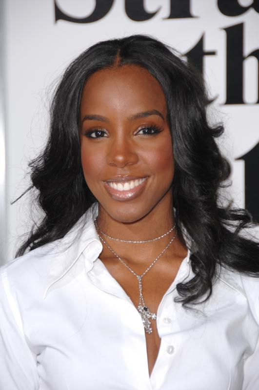 95380_Kelly_Rowland_Stranger_001_122_500lo
