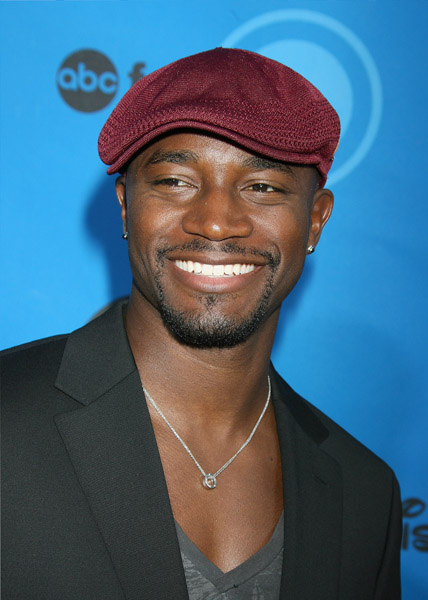 "Taye Diggs to Join ""Grey's"" Spinoff"